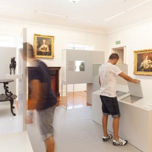 Abriendo puertas en exposición en Pazo de Castrelos