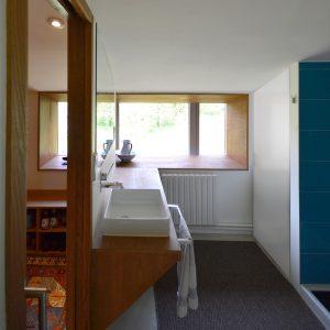Baño sencillo en reforma de vivienda en Gondomar