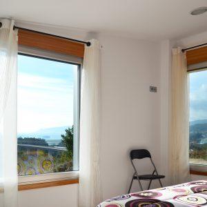 Vivienda rural en Vilaboa dormitorio con vistas